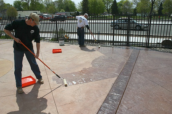 sealer on concrete drying phases