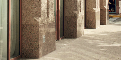 Exposed aggregate finishes are in demand on concrete walls. How do you get that rock to pop? One way is to use a surface retarder.